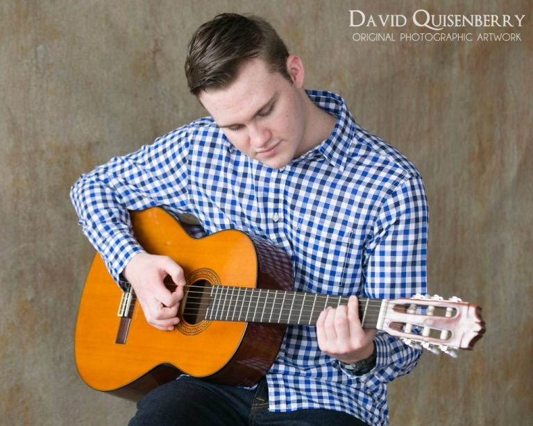 senior pictures with guitar